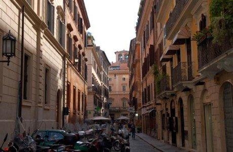 Veduta di via della Vite a Roma