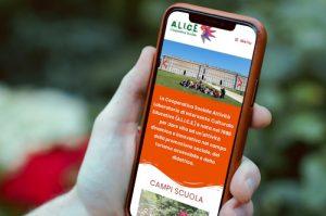 Sito web di ALICE Cooperativa Sociale di Roma nel browser di uno smartphone